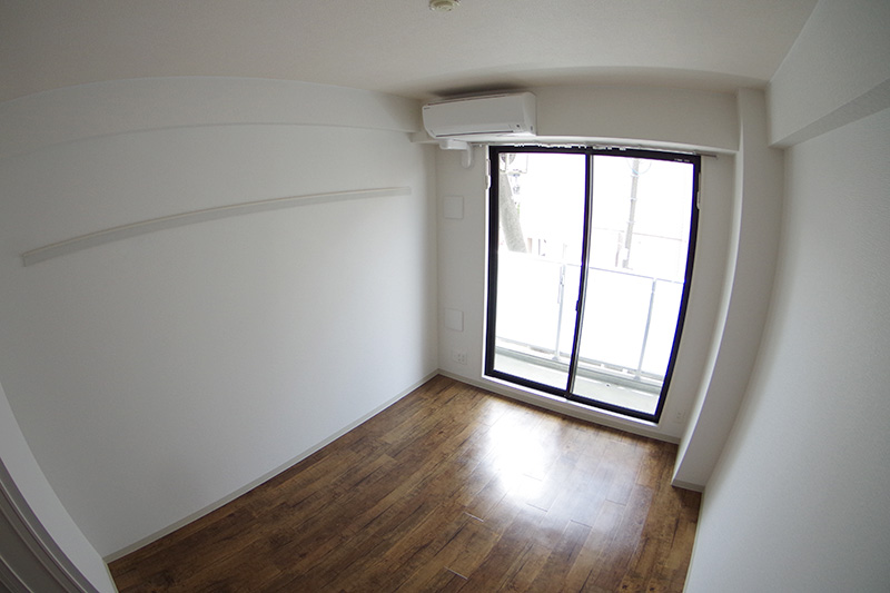 2F 室内