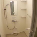 ガラス扉のオシャレなシャワールーム